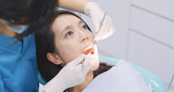 leczenie zębów w sterylnym gabinecie stomatologicznym w Szczecinie
